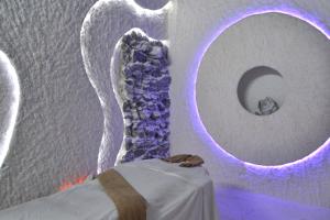 _590x353_massage-in-a-salt-room